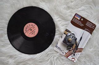 Diy vinyl record clock diy huntress for Craft vinyl cutter reviews