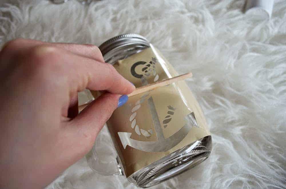 DIY Glass Etched Mason Jars - DIY Huntress