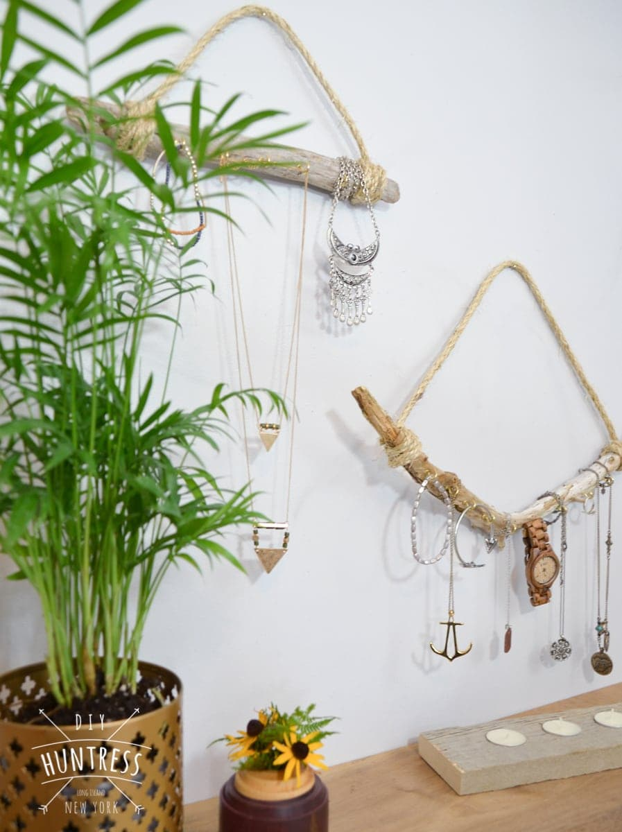 driftwood jewelry display