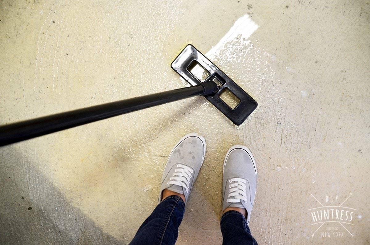 how to clean garage floor