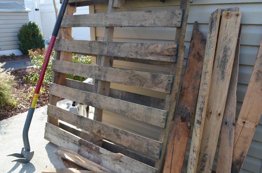 how to break down pallets