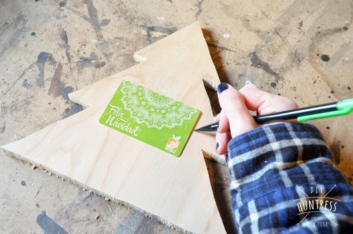 diy_huntress_christmas_tree_gift_card_holder-4