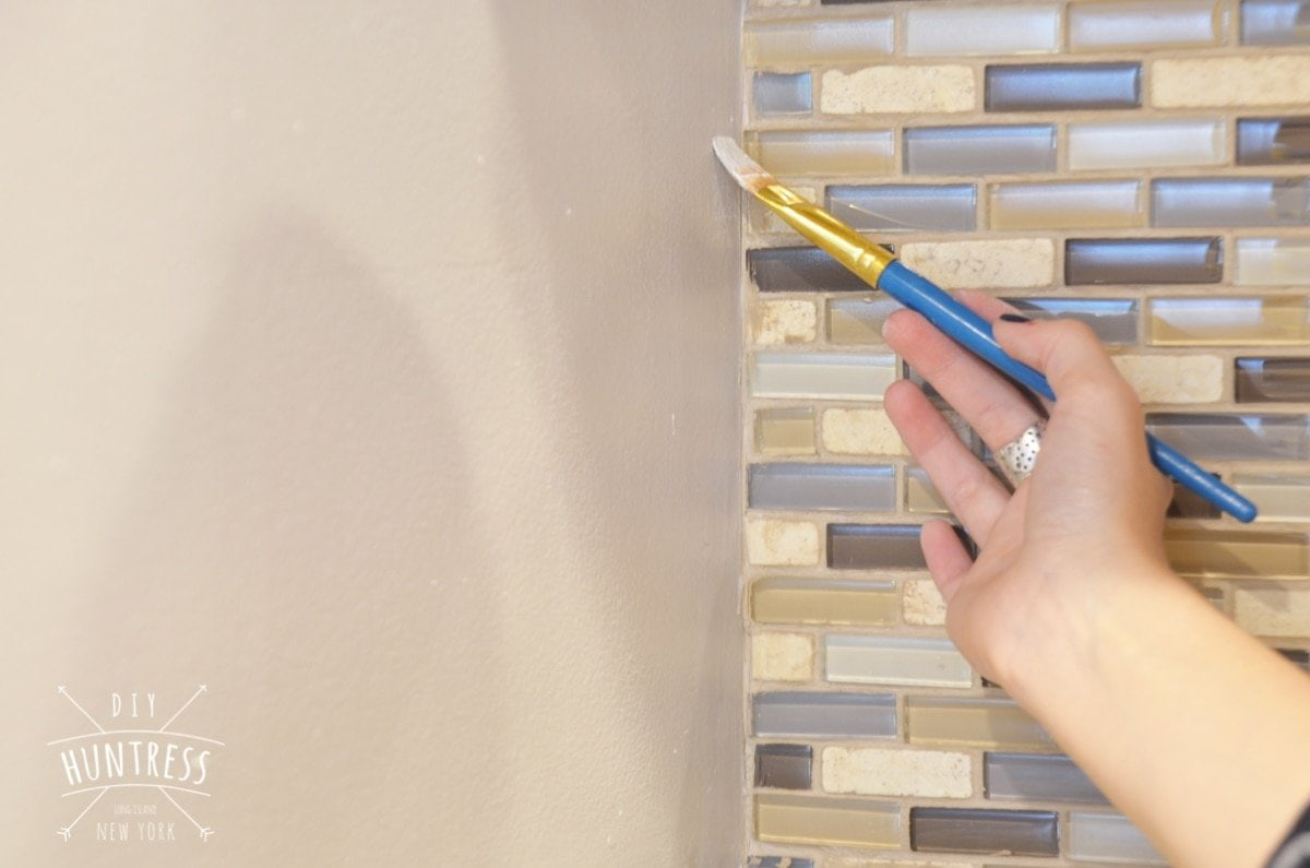how to paint around tile