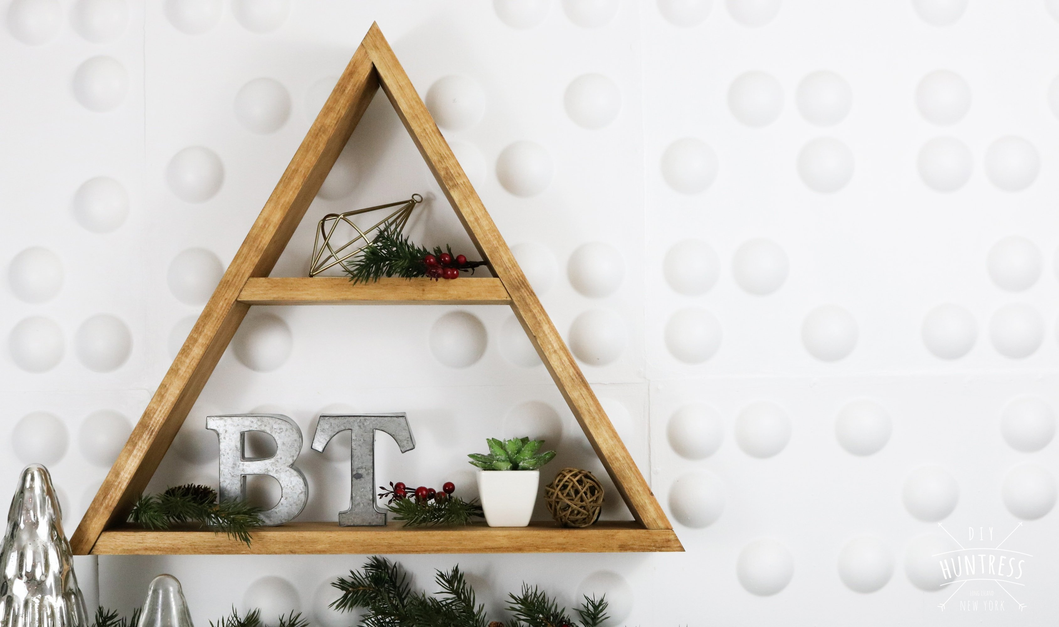 make a triangle shelf