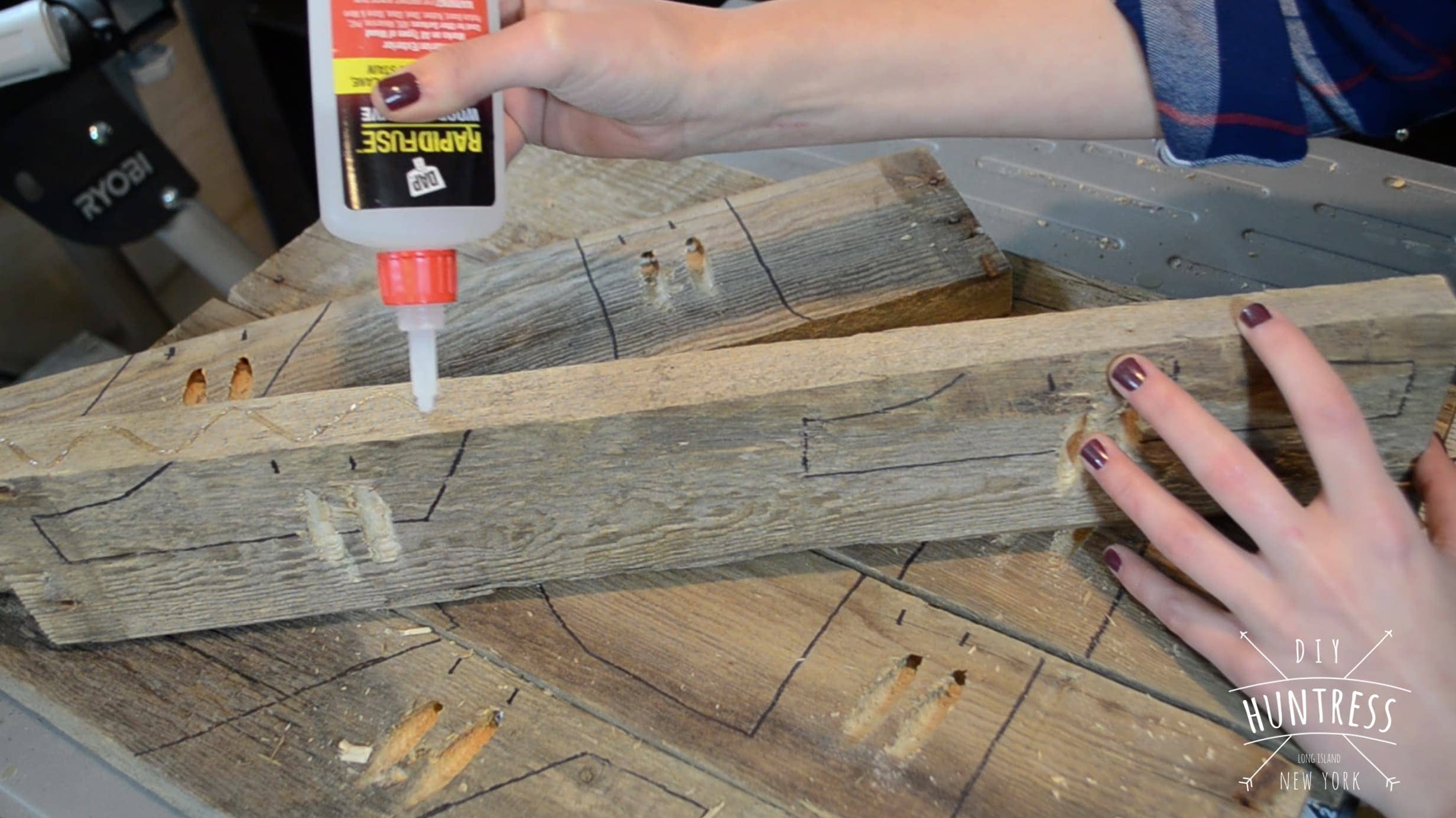 DIY_Huntress-Pallet_Letter-11