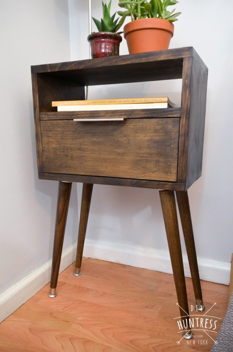 DIY_Huntress_Retro_Side_Table-12