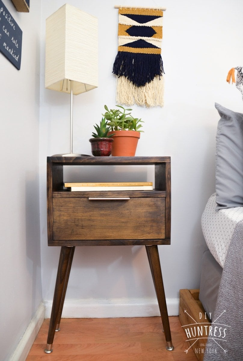 DIY_Huntress_Retro_Side_Table-8