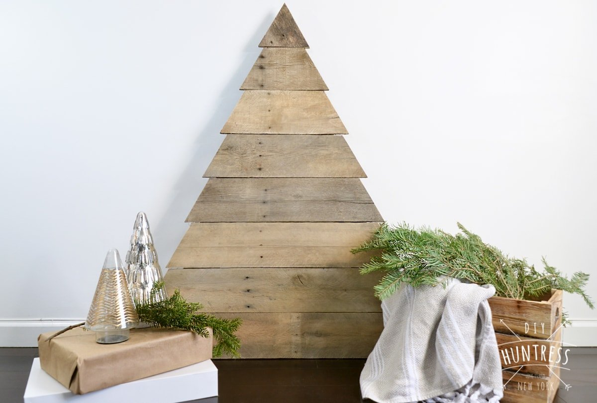 Pallet Wood Christmas Tree.Diy Pallet Wood Christmas Tree Diy Huntress