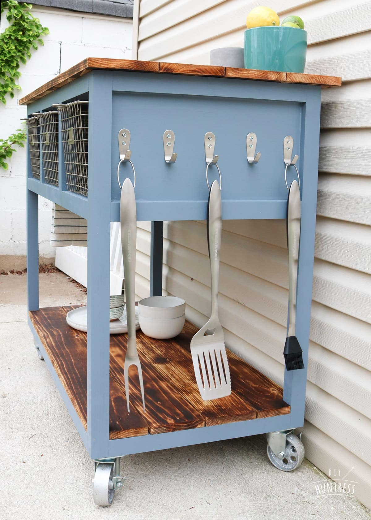 DIY Mobile Island/Grill Cart - DIY Huntress