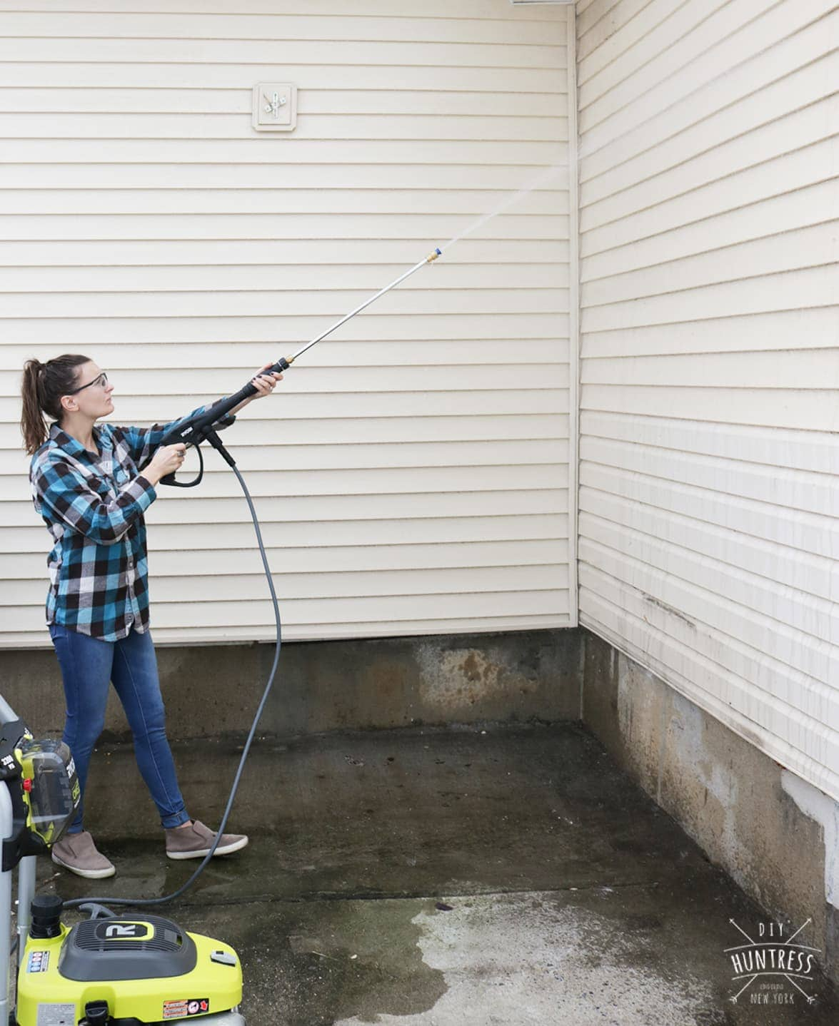 how to power wash siding