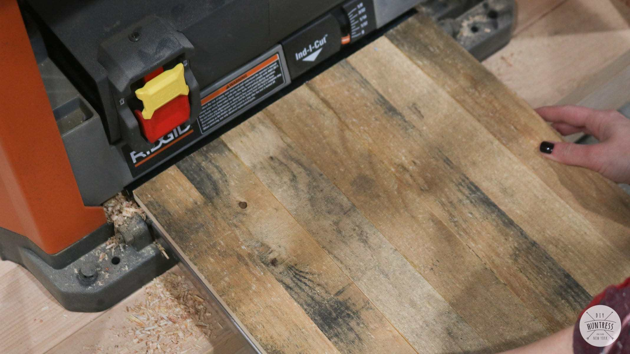how to clean pallet wood