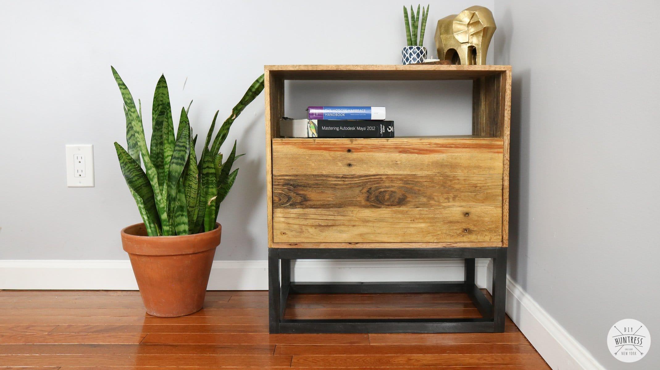 DIY Reclaimed Pallet Wood Nightstand (West Elm Knockoff)