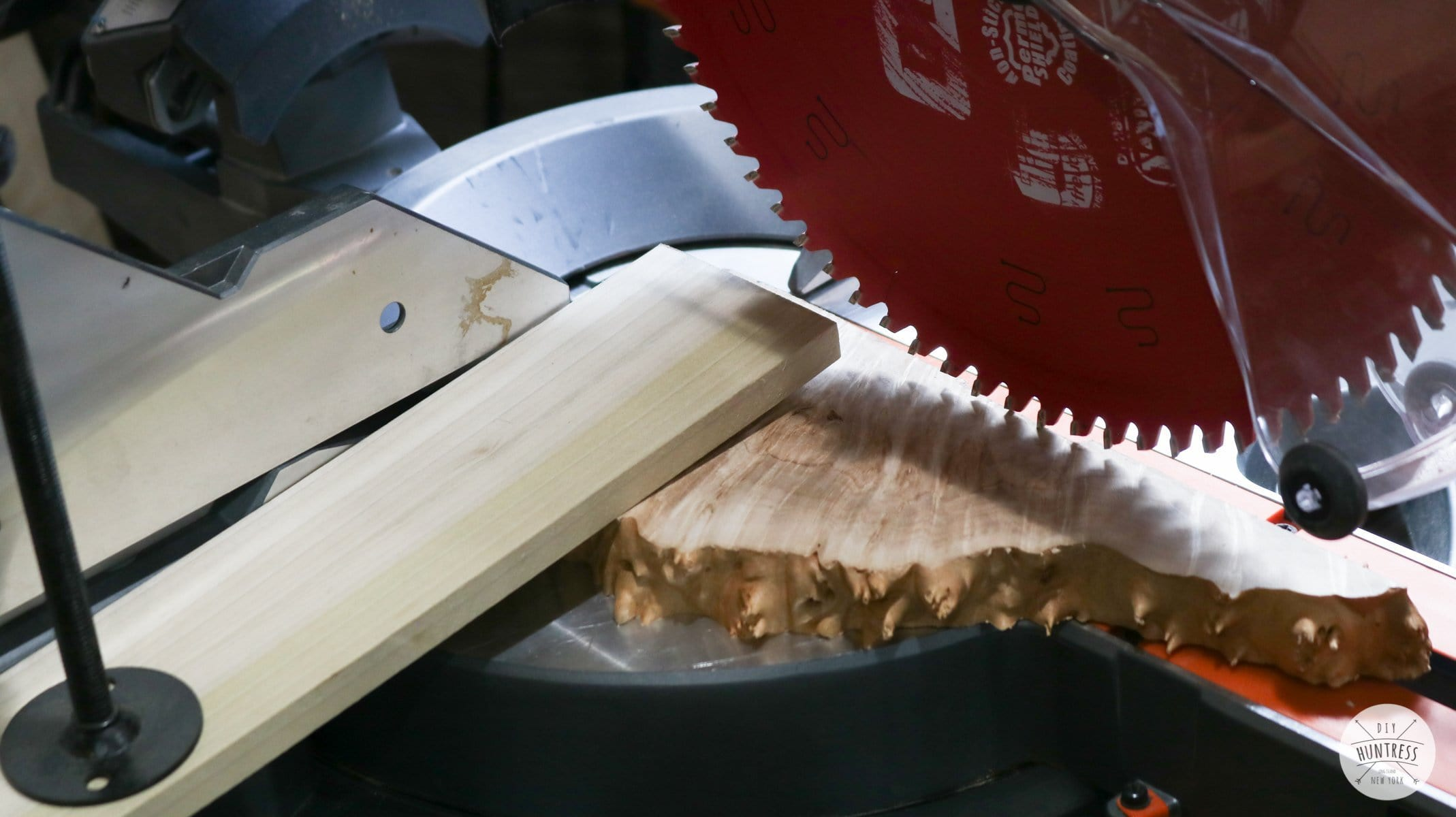 how to cut small pieces of wood