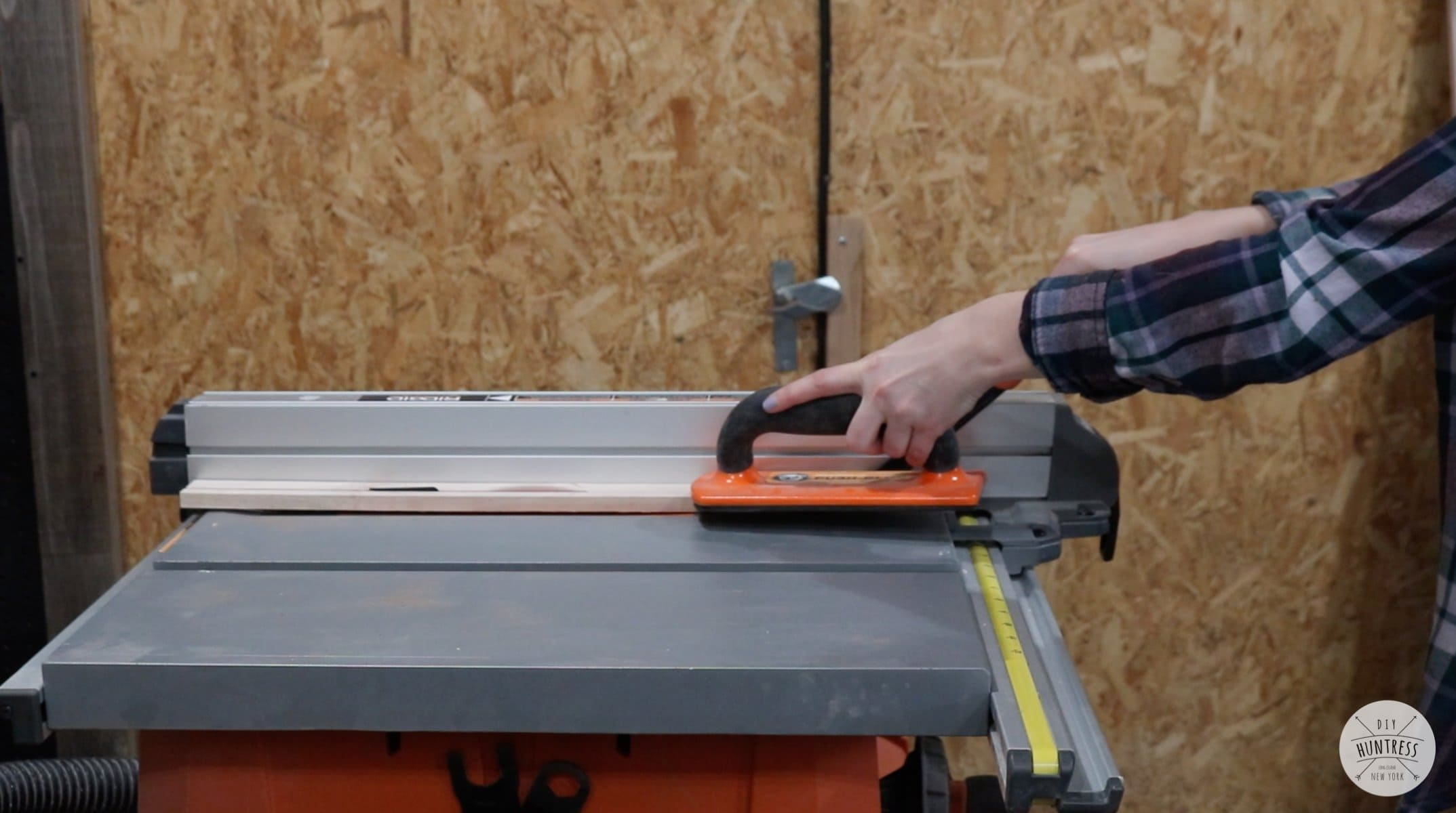how to square wood on a table saw