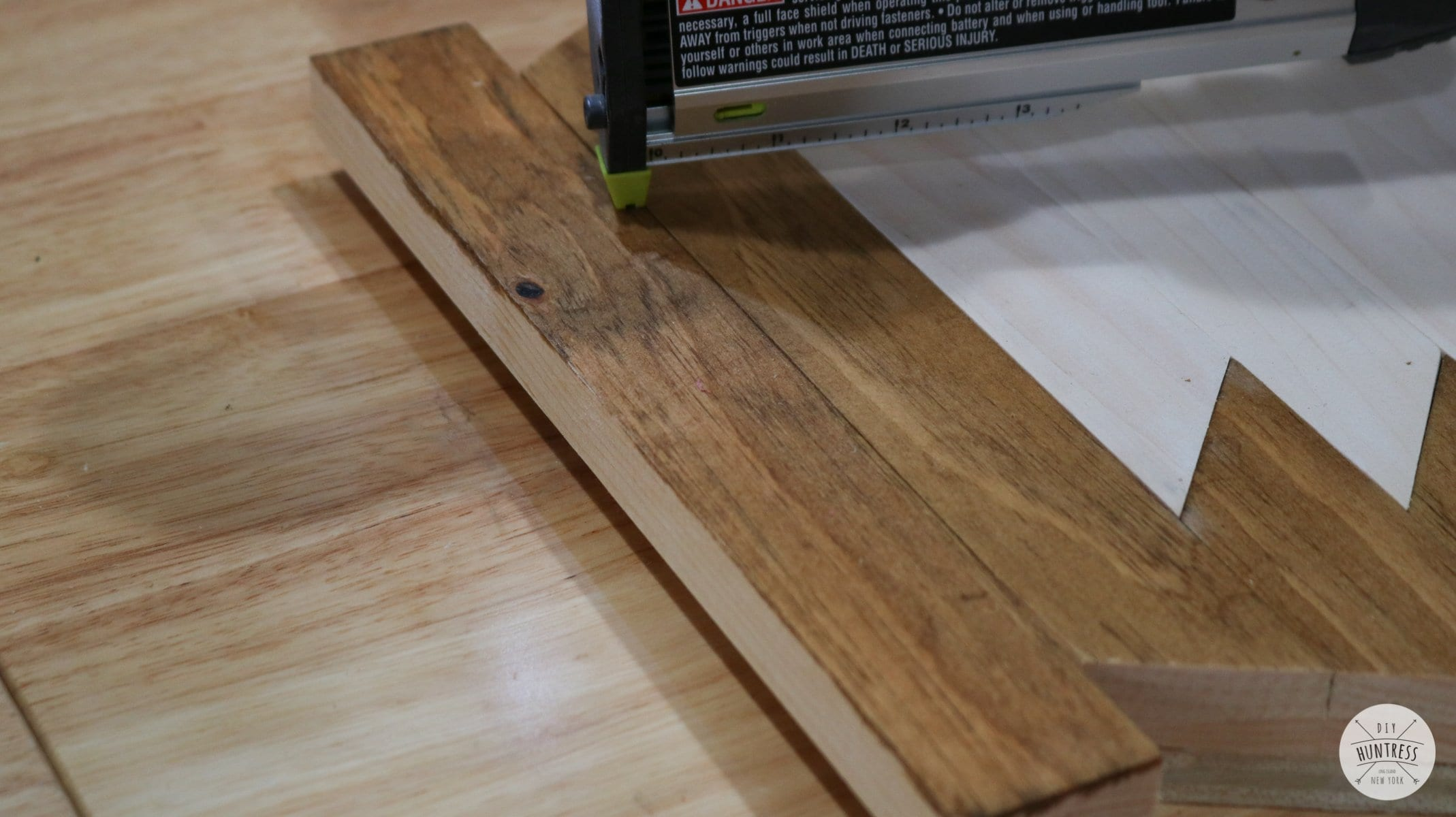 how to make wood art