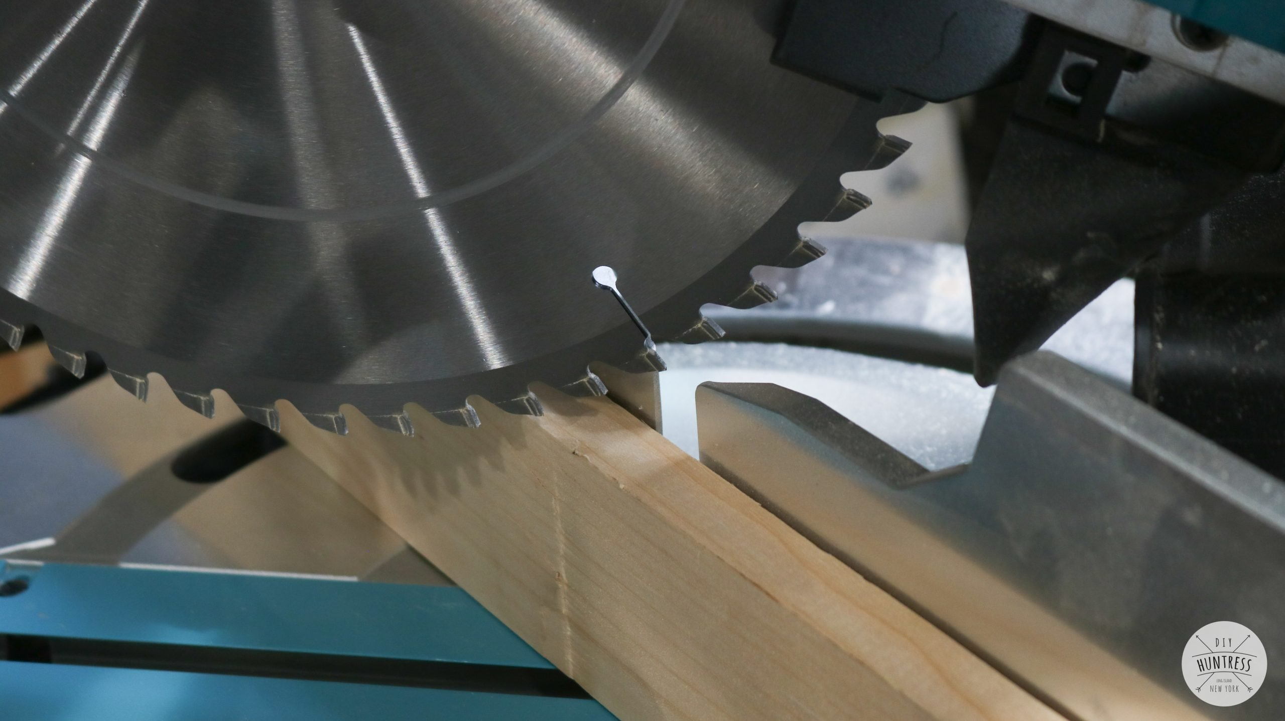 how to cut miters
