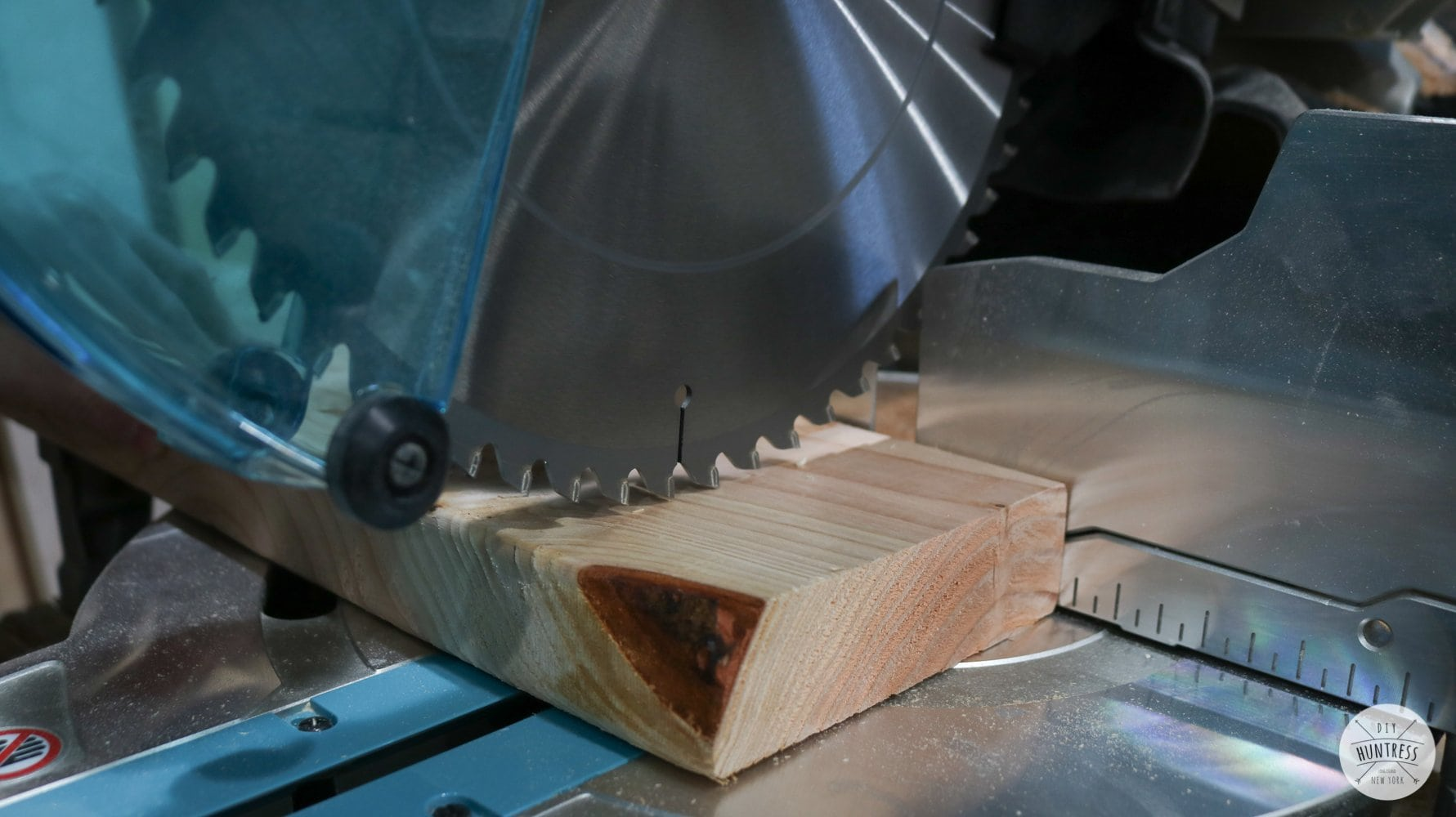 cutting wood miter saw