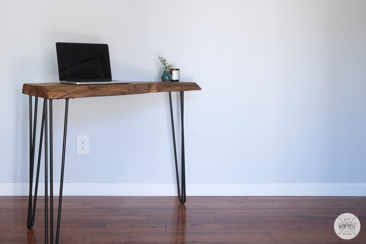 wood desk with hairpin legs