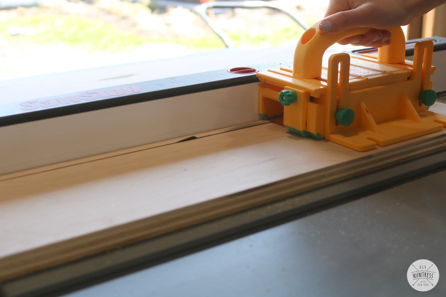 how to cut plywood on a table saw