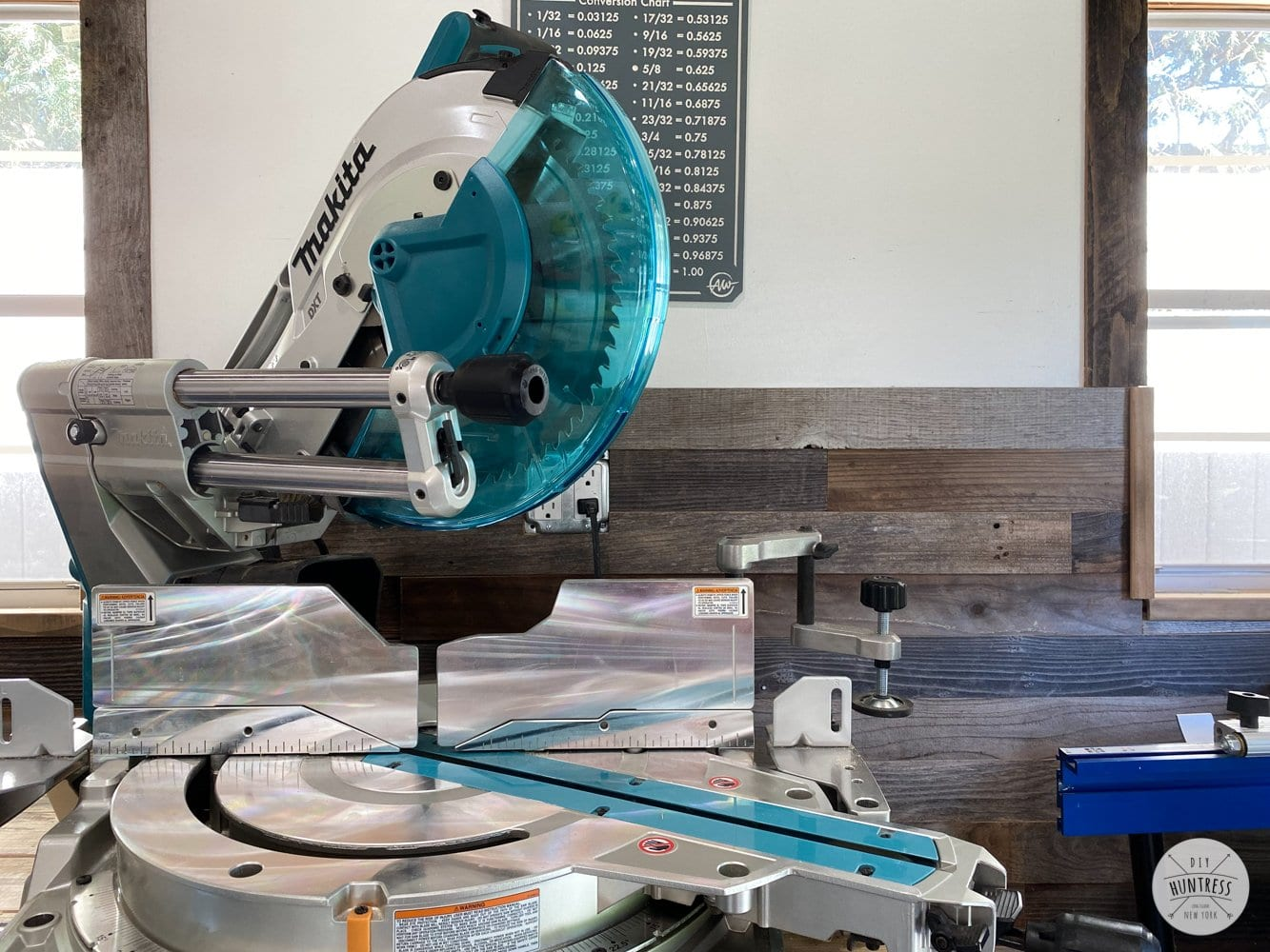 makita sliding miter saw