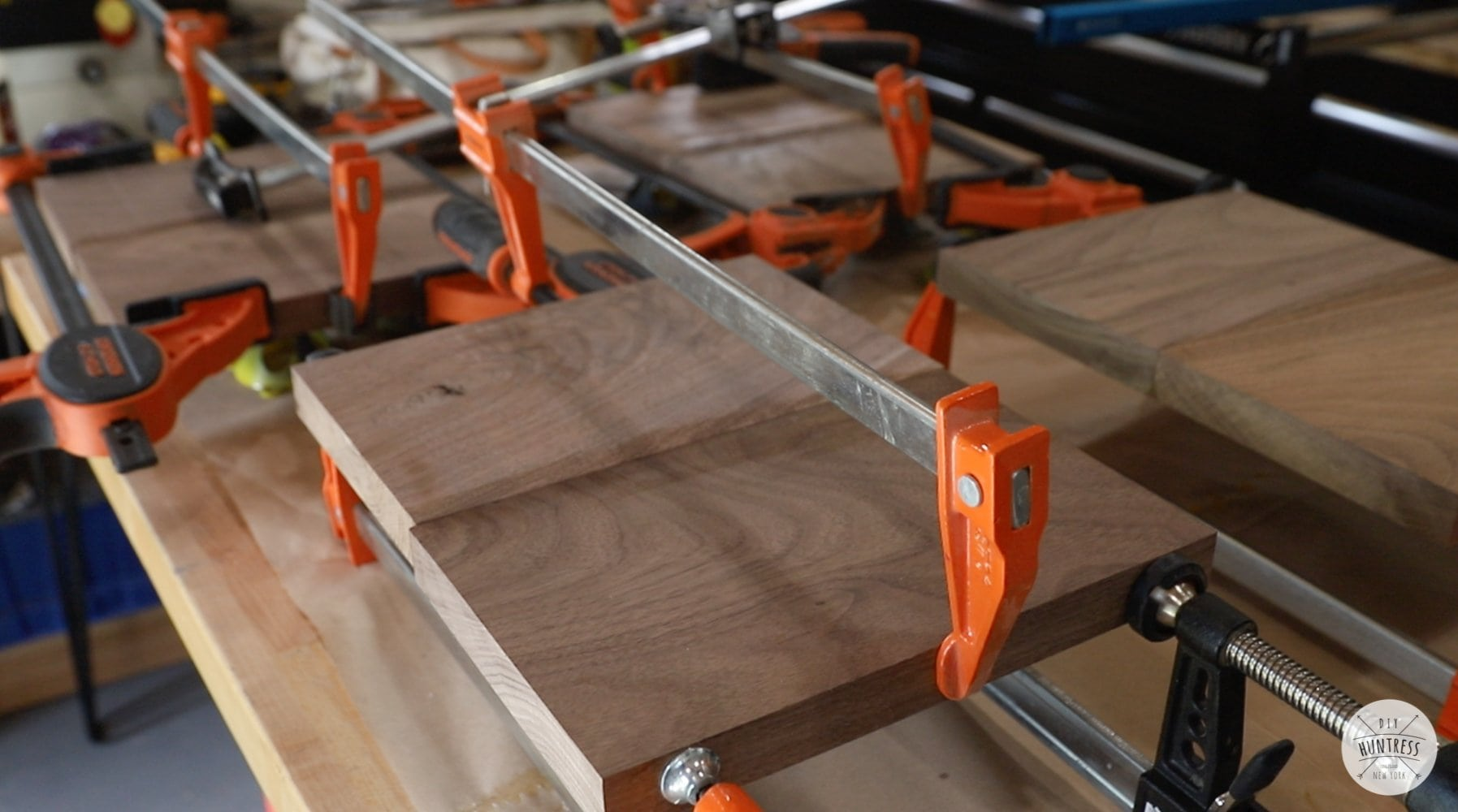 laminating wood panels with glue and clamps