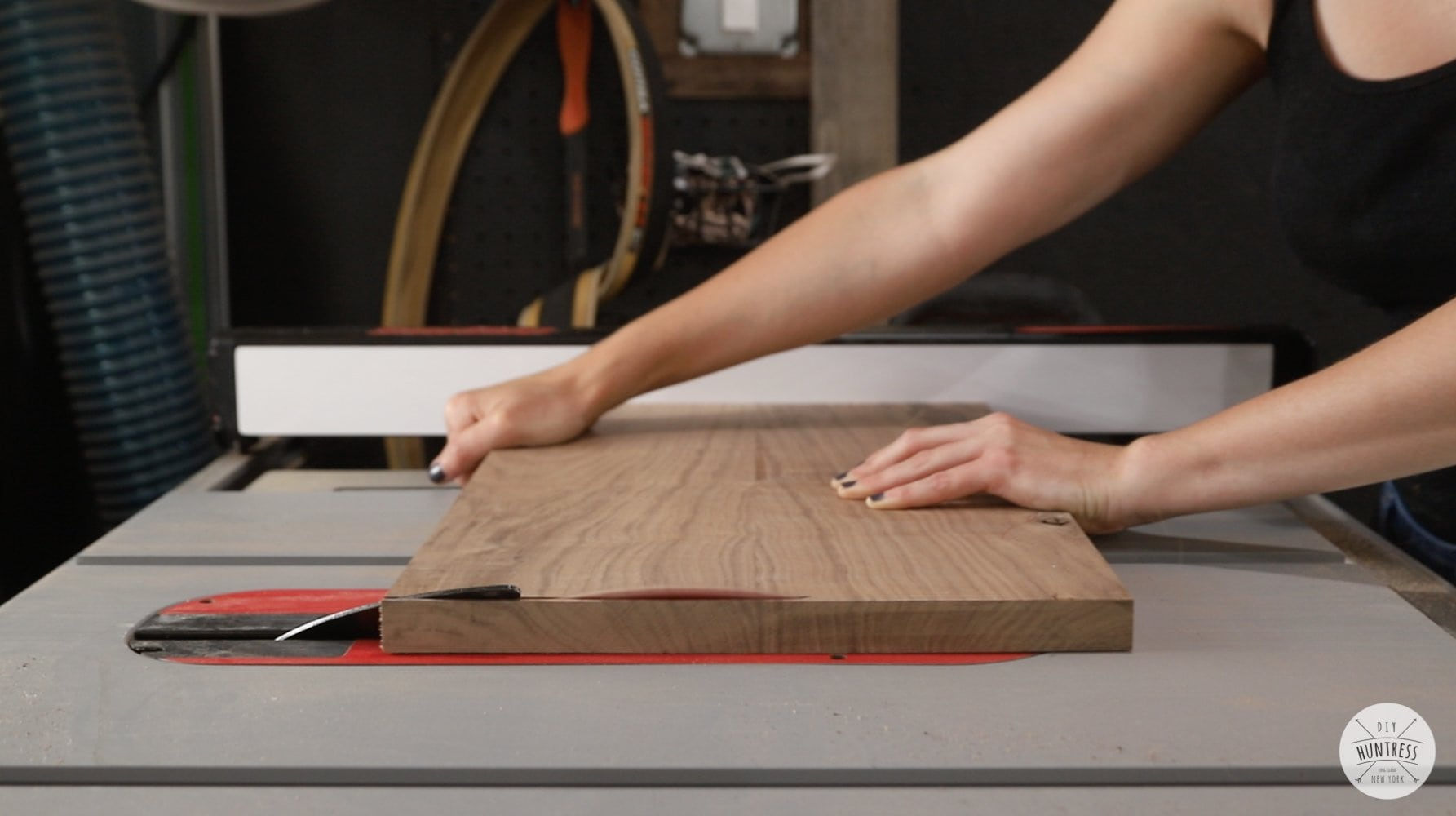 cutting mitered joints on the tablesaw