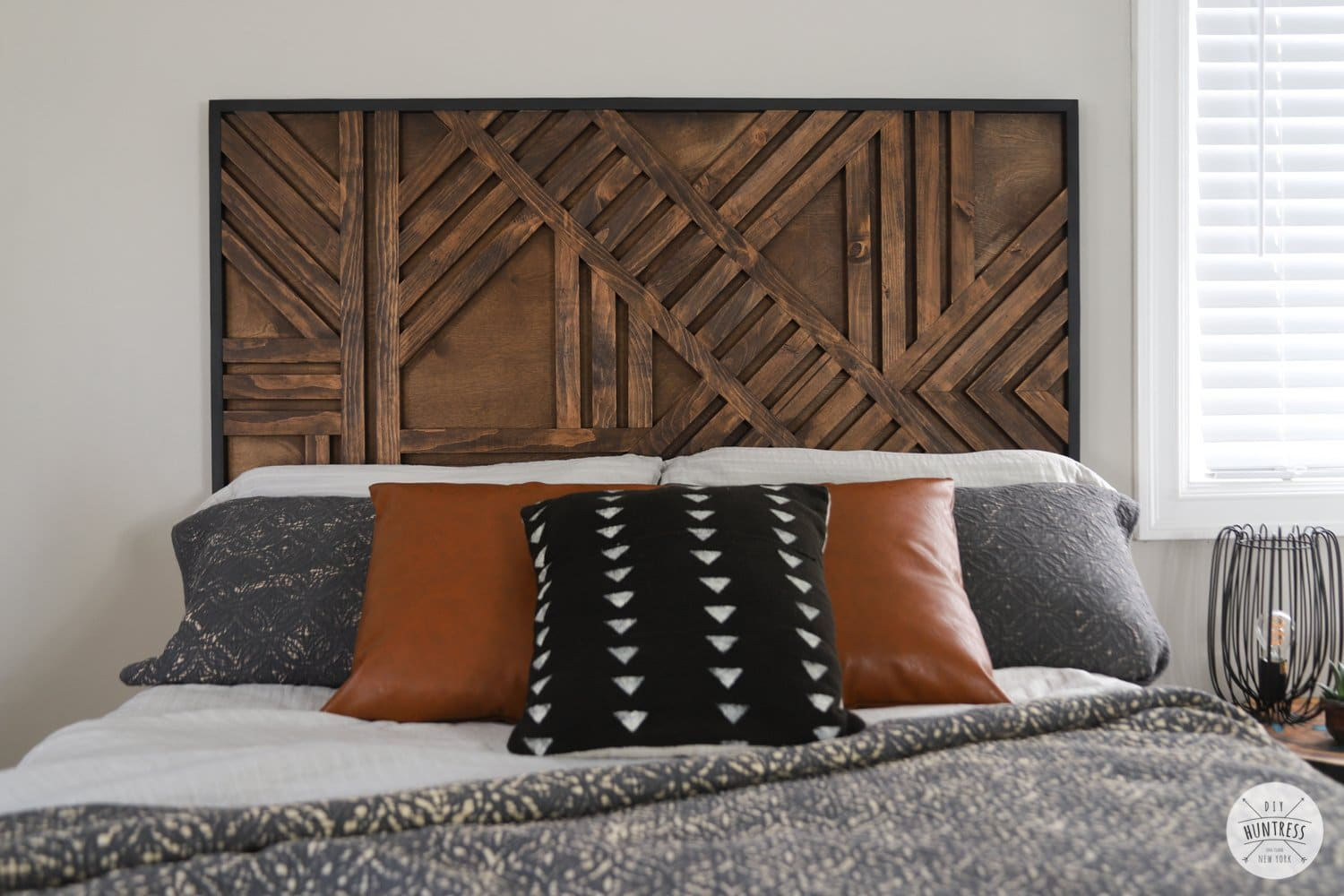 diy temporary geometric wood feature wall