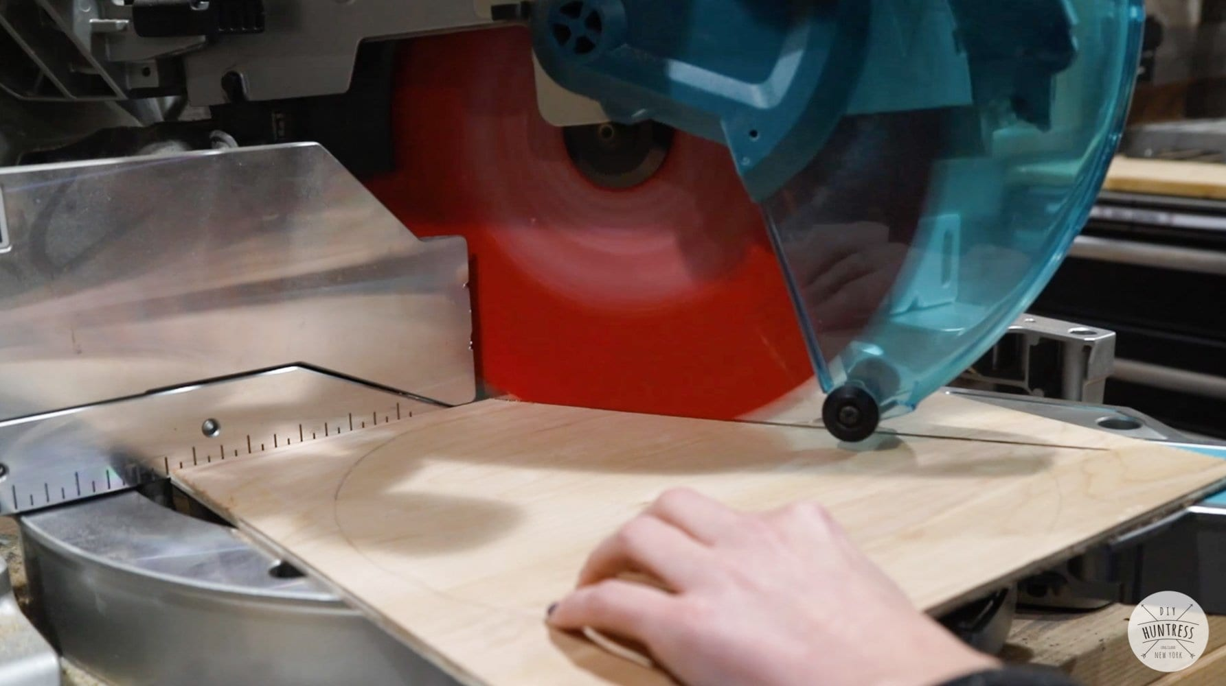 cutting triangles on miter saw