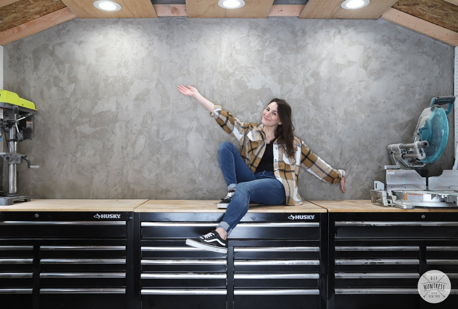 how to add concrete to a wall