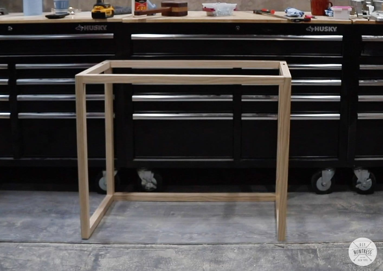 assembling desk legs