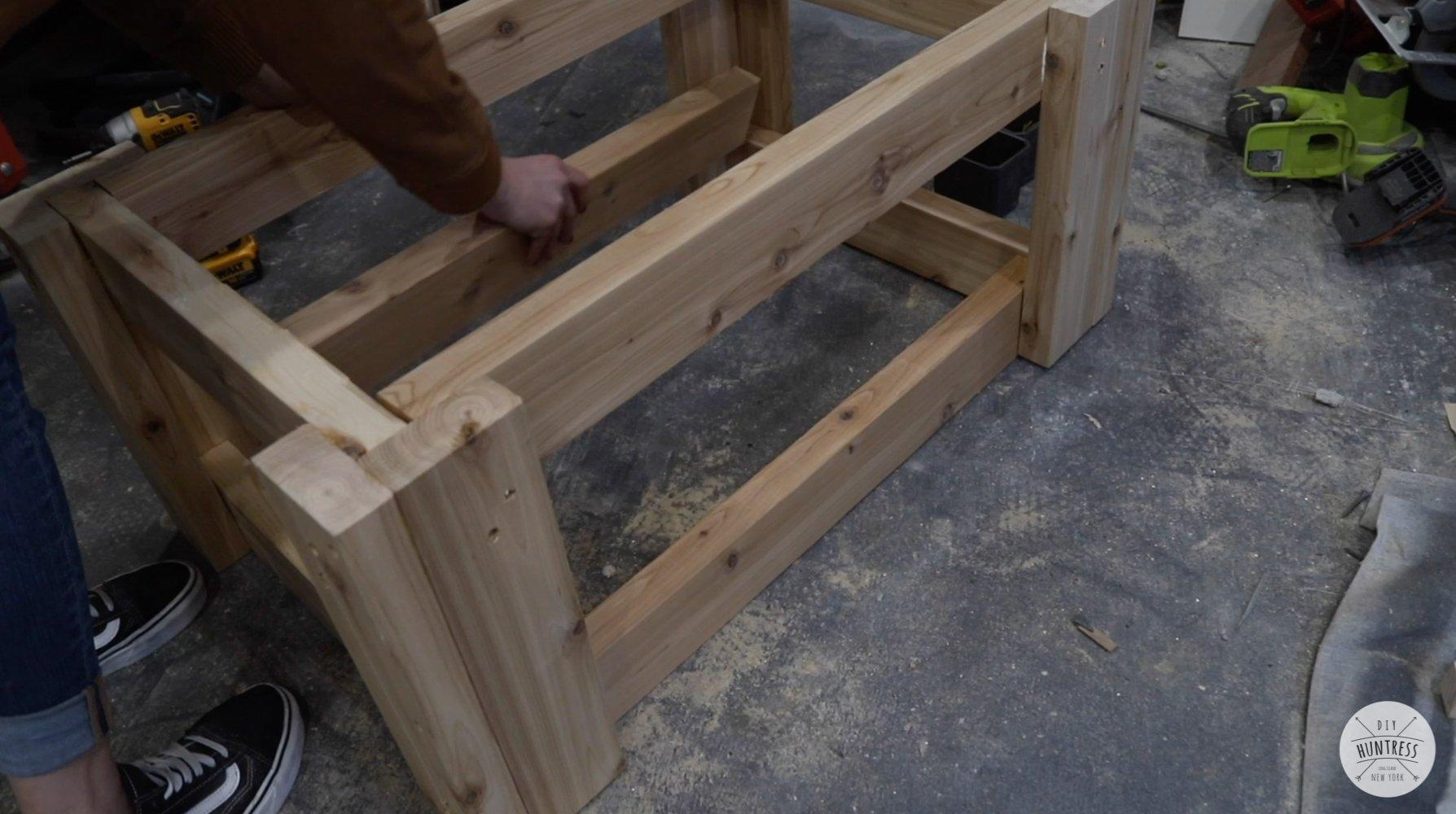 how to build a cedar coffee table