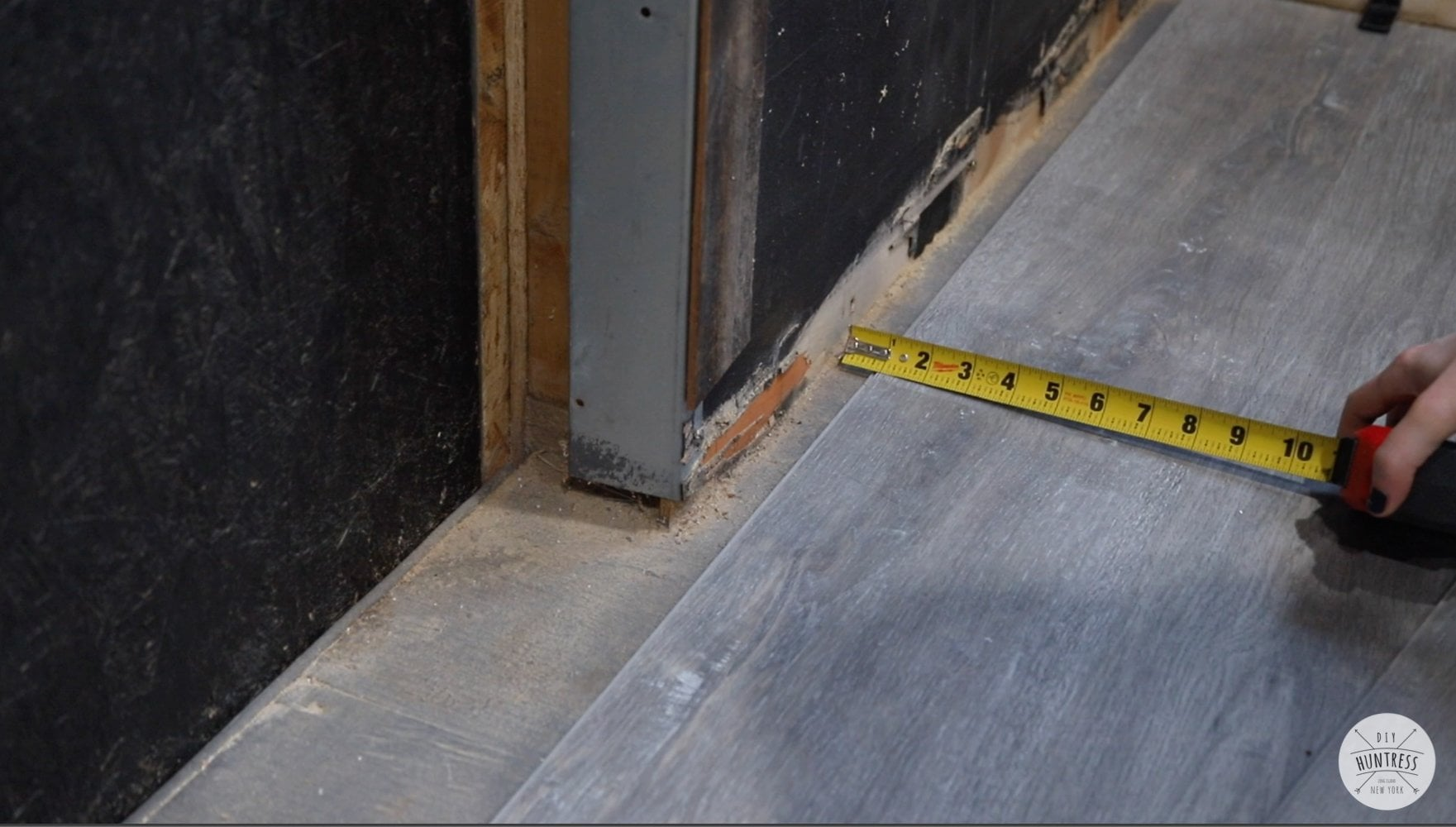 installing last row of vinyl plank flooring