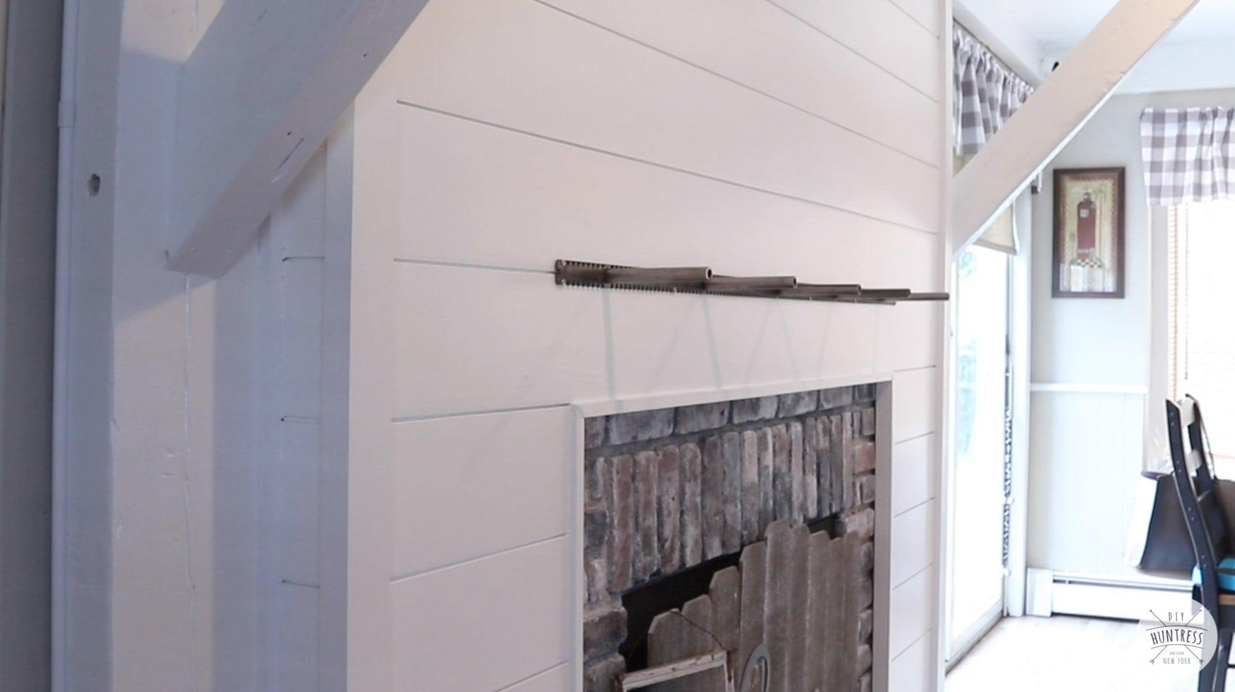 installing floating shelf bracket
