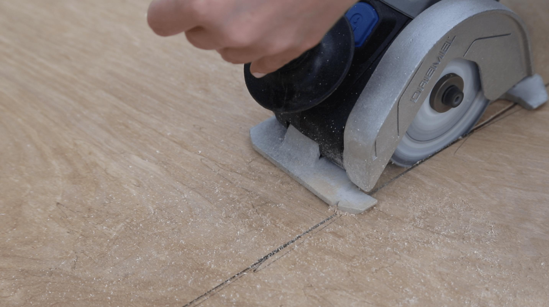 dremel ultra saw cutting plywood